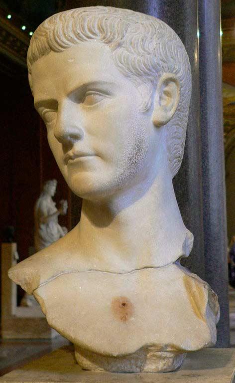 Бюст Калигулы